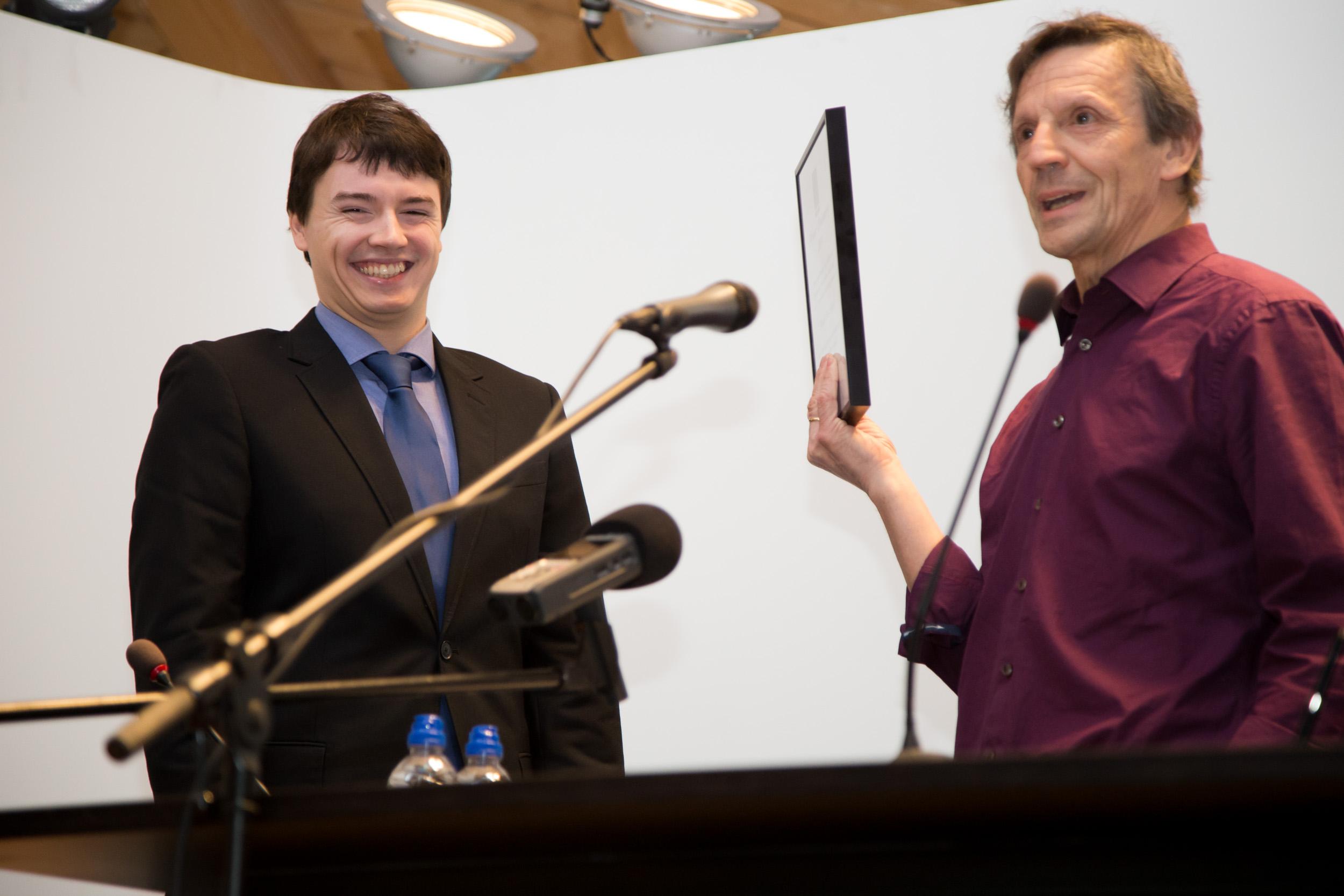Wouter Van Butsel ontvangt de studentenprijs